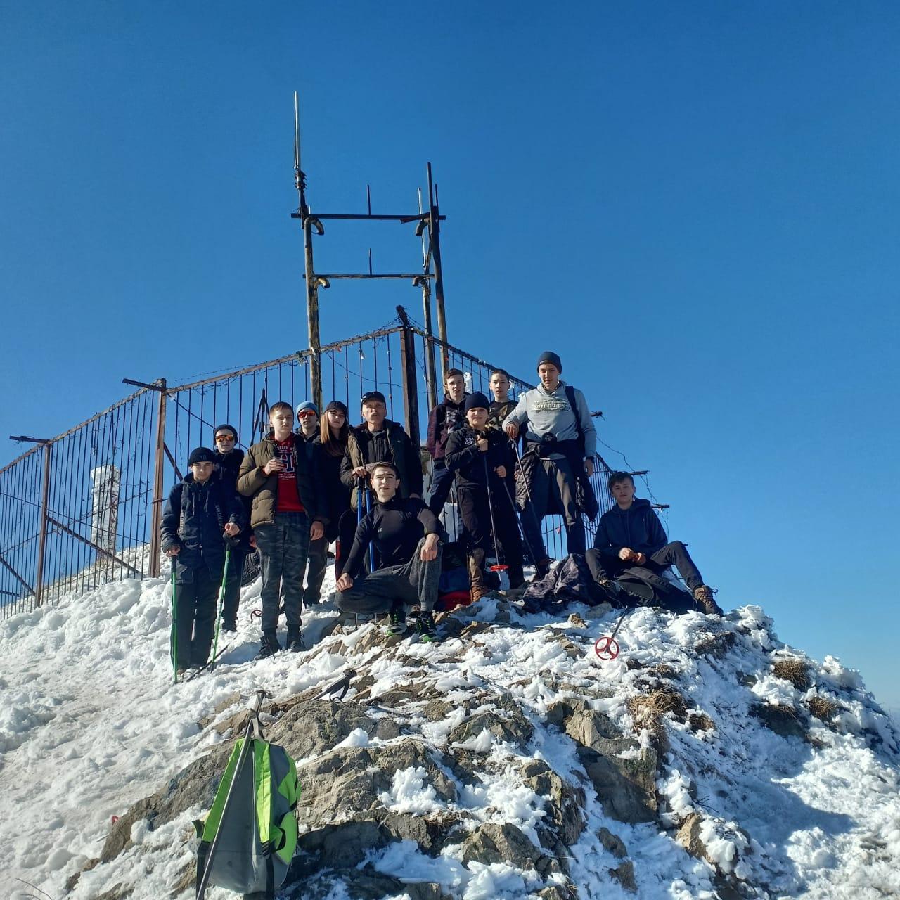 Массовое восхождение на гору Бештау центур (1)