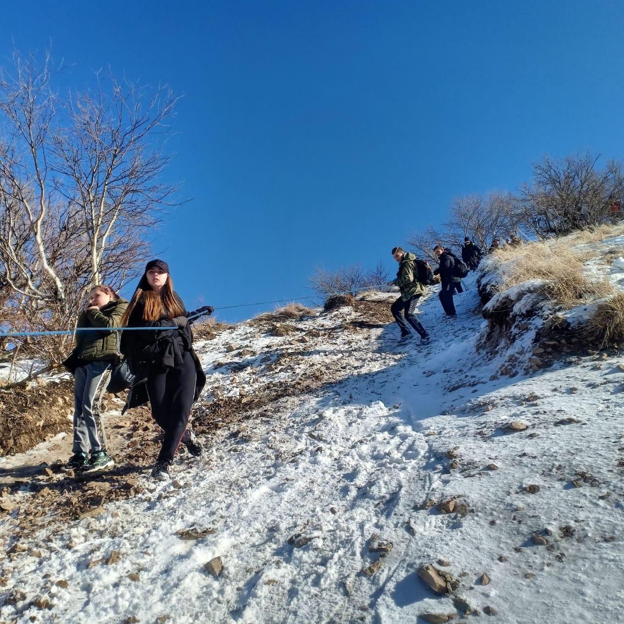 Массовое восхождение на гору Бештау центур (2)